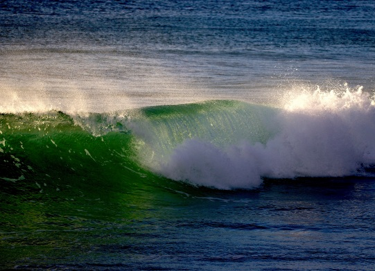 07 waves green